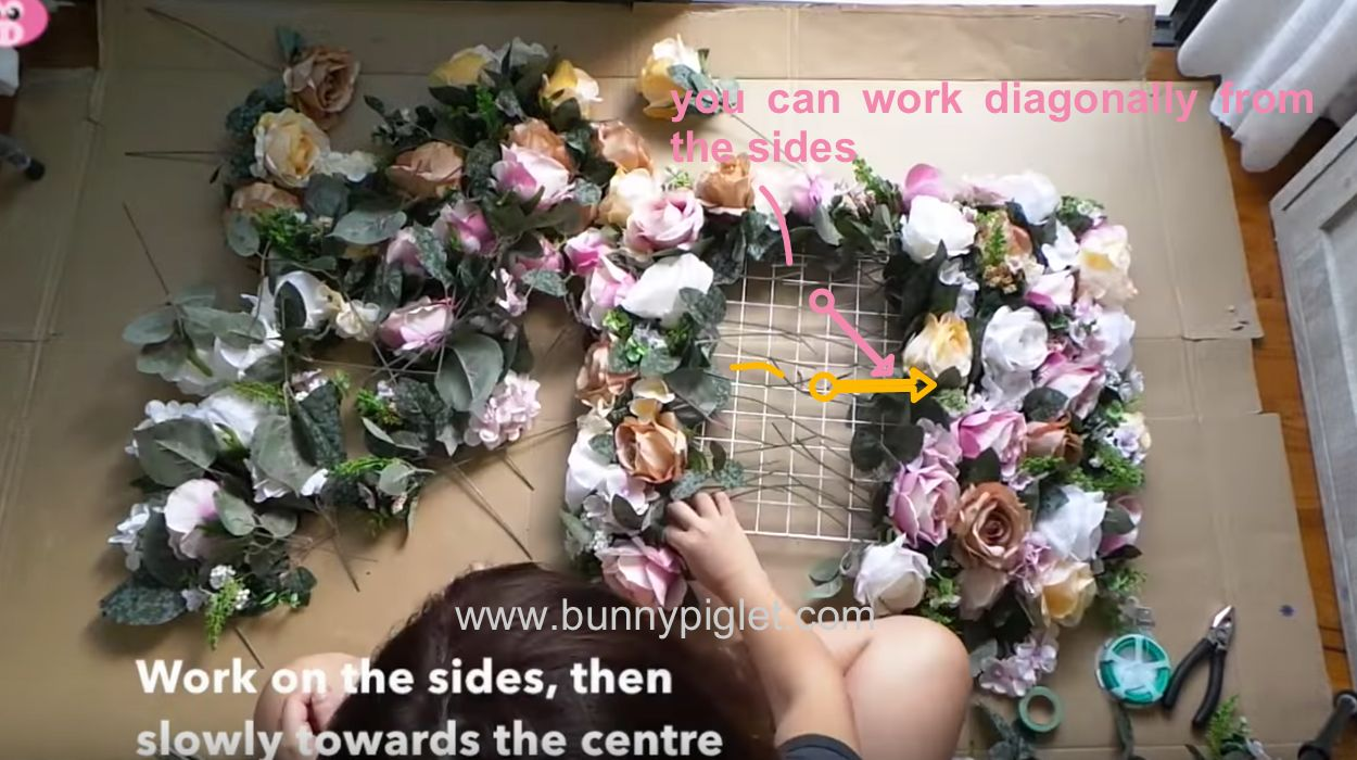 How to make a panel of flowers with their own hands 60